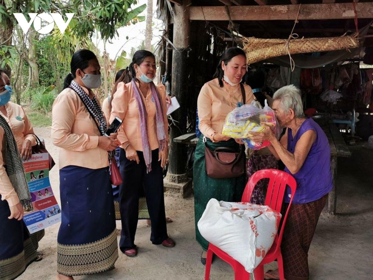 Chính phủ Campuchia đã hỗ trợ hơn 2 triệu hộ nghèo vượt khó do dịch bệnh Covid-19