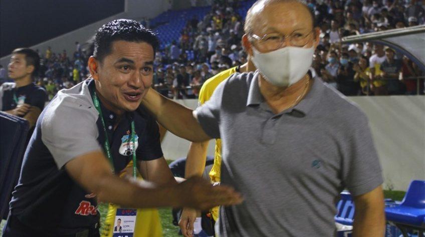 Ông Park Hang-seo dự khán trận Hoàng Anh Gia Lai – Nam Định